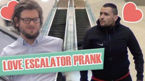 Hidden camera filmed the reaction of the French on the gentle touch of a man on the escalator