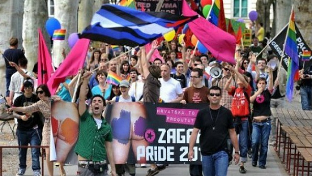 In Australia, the anniversary has passed 35 gay pride parade (video)