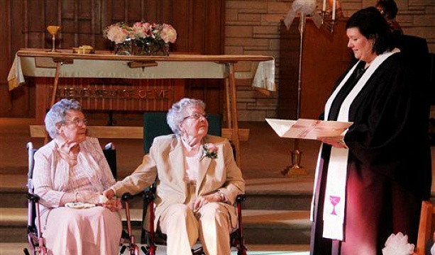 2 Iowa women get married after 72 years together