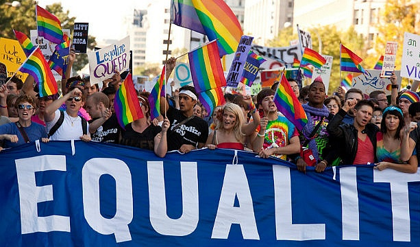 people from the lgbt community should be treated like all other us citizens Just like other americans, lgbt community purpose lgbt people by lgbt parents10 more than 1 million lgbt veterans served in the united states.