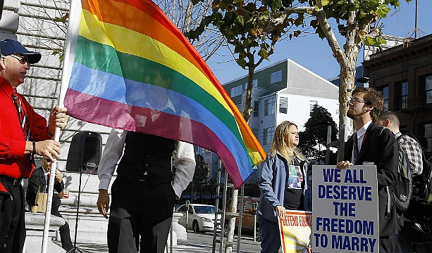 US Supreme Court overturns gay marriage provision